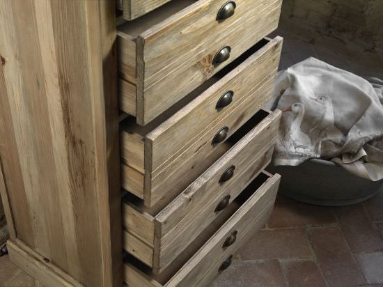 Guarnieri Drawer unit Vanilla in old pine is a product on offer at the best price