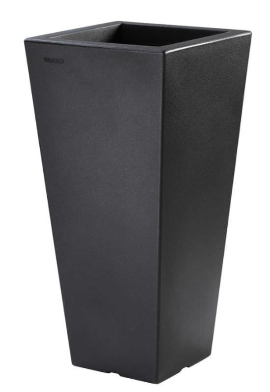 Square Vase 120 cm for outdoor use in Re