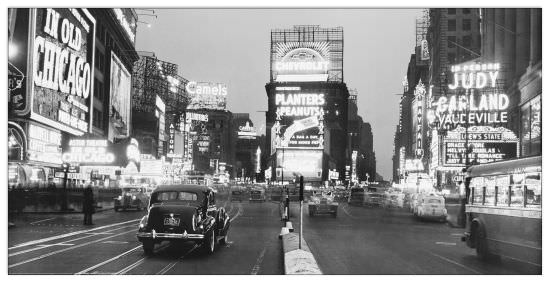Quadro Decorativo Time Square Illuminated By Large Neon Advertising Signs